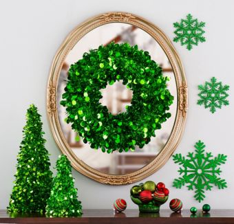 Green Christmas Table & Mirror Decorating Kit