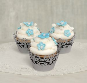 Silver Damask Baking Cups 25ct
