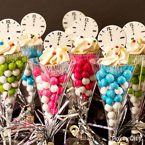 NYE Countdown Cupcakes Idea - Party City