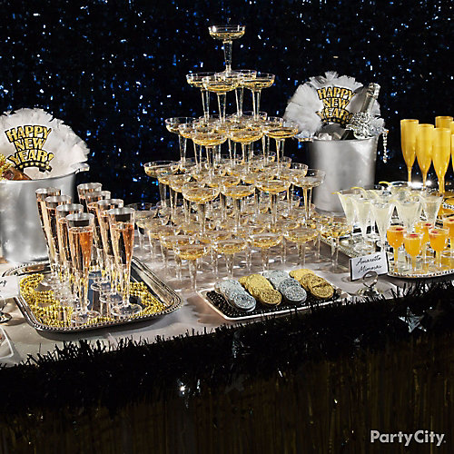 NYE Silver & Gold Table