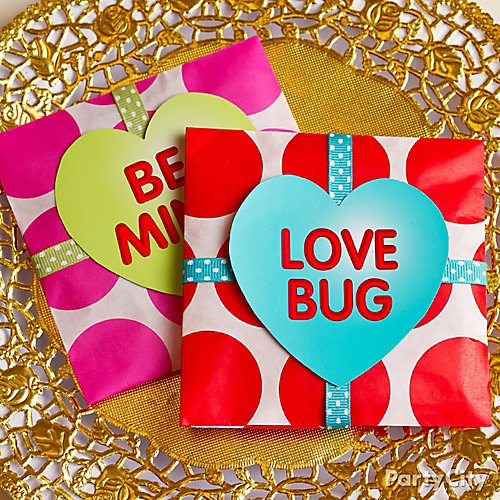 DIY Valentines Day Paper Treat Packets How-To