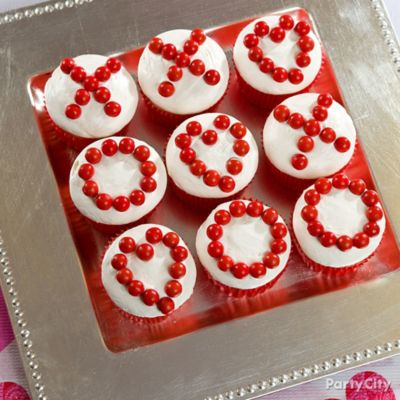 Valentine's Day XO Cupcakes Idea