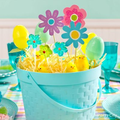 Blue Easter Basket Centerpiece Idea