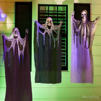 Halloween Three Hanging Porch Ghouls Idea