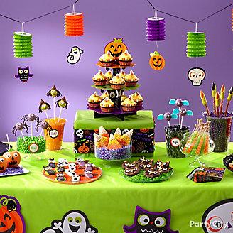 Friendly Halloween Sweets Table Idea