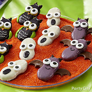 Friendly Owl, Ghost & Bat Cookie Display Idea