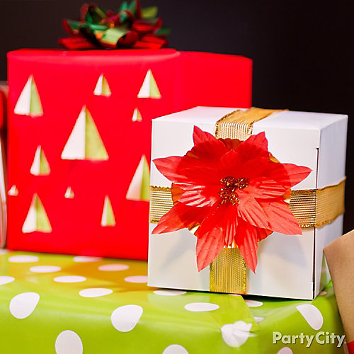 Baking Cup Pointsettia Gift Wrap DIY