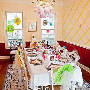 Jungle Theme Baby Shower Table Decorating Idea