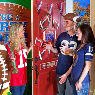Home Tailgate Entry Decorating Ideas