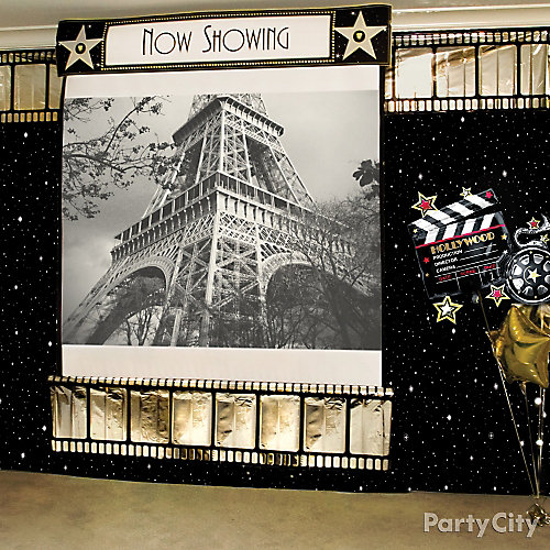 Hollywood Photo Booth Idea