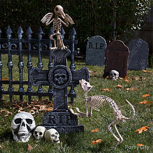 decorating ideas - Cemetery Halloween Decorations