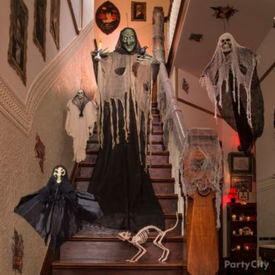 Haunted House Giant Spider Web Idea Party City