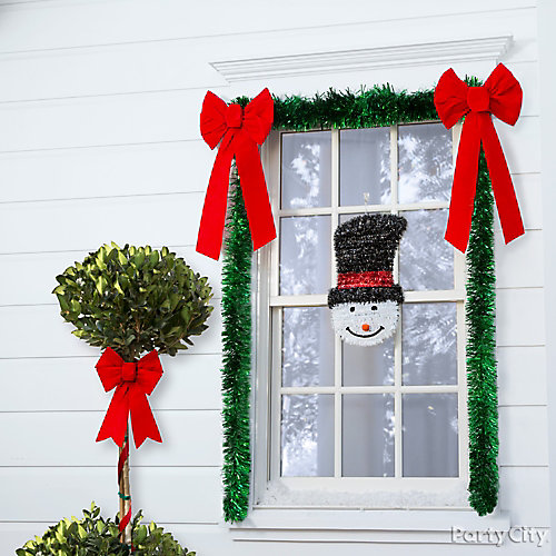 Frosty Window Trimmings Idea
