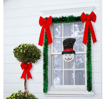 Frosty Window Trimmings Idea