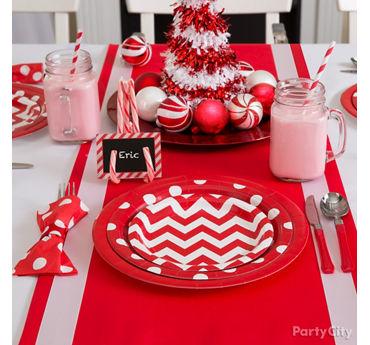 Chevron and Dots Holiday Table Idea