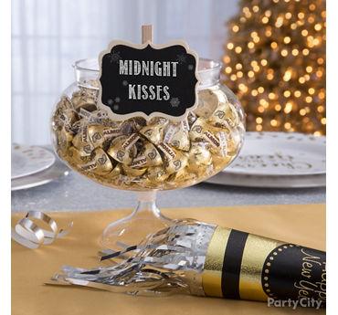 Midnight Kisses Candy Idea