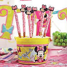 Minnie Mouse Pretzel Pops