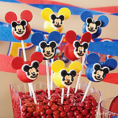 Mickey Mouse Doughnut Pops