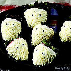 Scary Mummy Strawberries