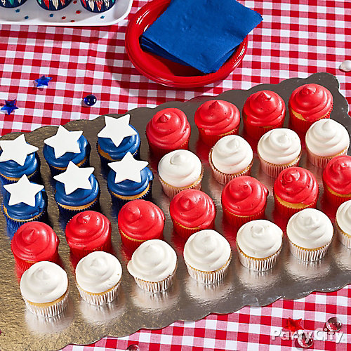American Flag Cupcakes Display Idea
