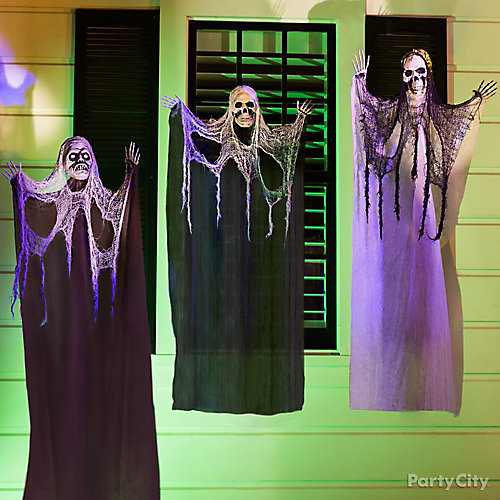 Halloween Three Hanging Porch Ghouls Idea