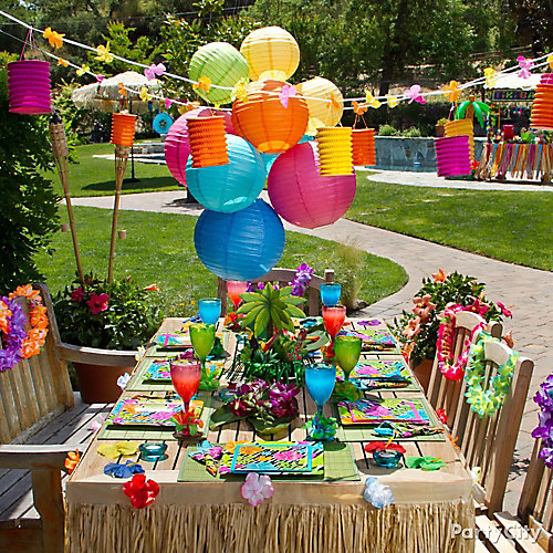 Luau Dining Table Idea