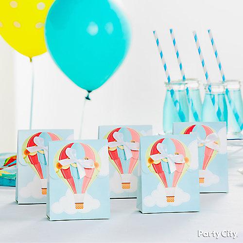 Balloon Favor Display Idea